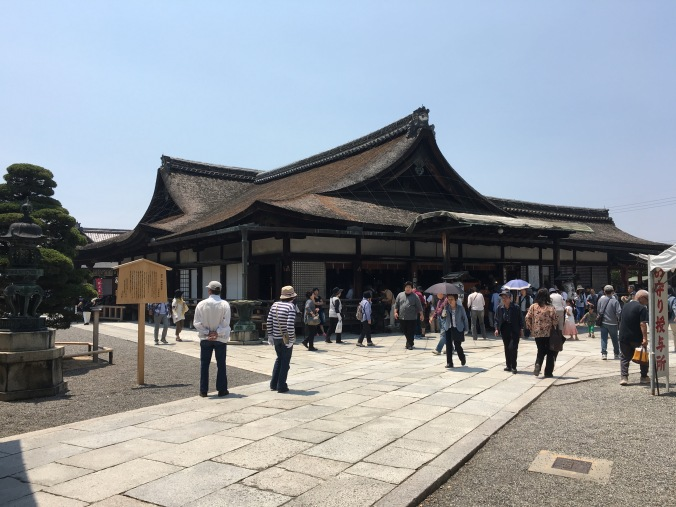 The Founders Hall at Toji Temple was a focus for prayers on May 21st. The 21st is an important date for Shingon Buddhism as it marks the date that Kukai passed away. Some say he is still meditating at Koyosan, waiting for the coming of the next Buddha.