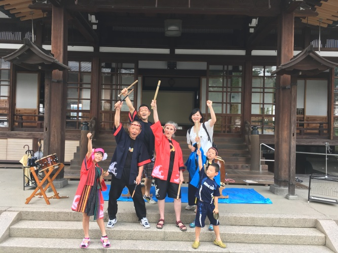 The Matsuda family and me after we had played the Matsuri outdoors. Go taiko!