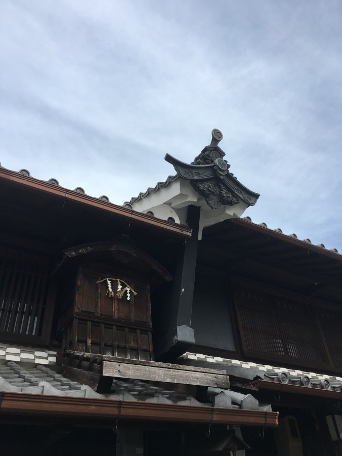 One trip I had planned was to visit Mino City in Gifu Prefecture, the 'town of Washi (Japanese paper) and Udatsu'. The Udatsu were a special raised firewall at the end of the roof built to protect merchant houses from fire. Most of the surviving examples of this architecture are found in Mino.
